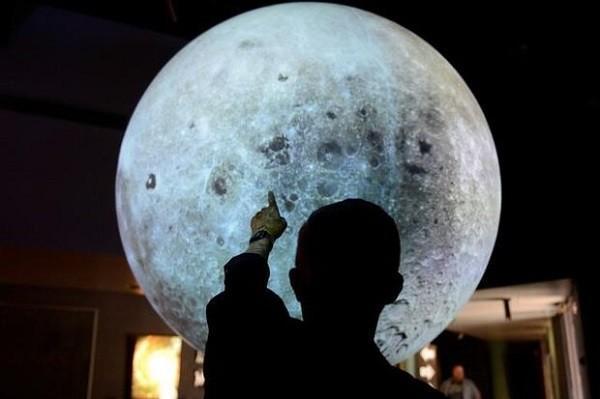 ناسا روی ماه تلسکوپ نصب می نماید