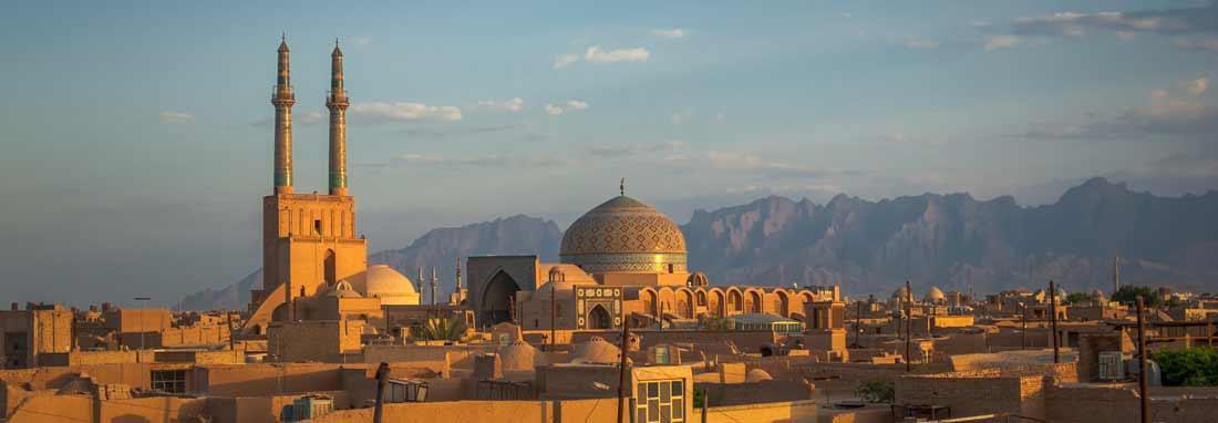 اجرای حکم قلع و قمع در بافت تاریخی یزد ، ارتفاع غیرمجاز یک واحد ساختمانی کاهش یافت