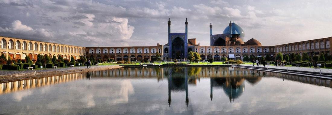میدان نقش دنیا پارکینگ عمومی شد! ، متولیان میراث فرهنگی اصفهان خواب هستند ، تصاویر عجیب نقش دنیا