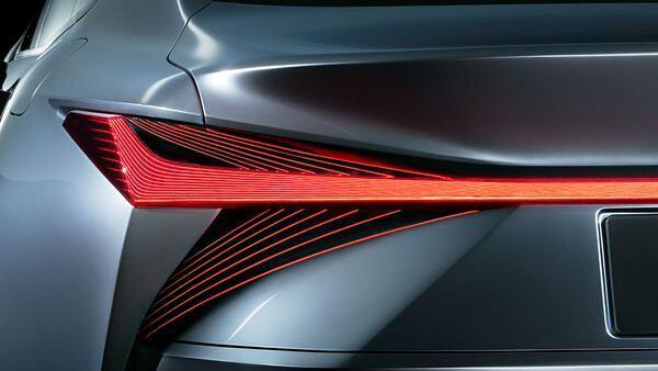 لکسوس سال آینده خودرو تمام الکتریکی عرضه می نماید