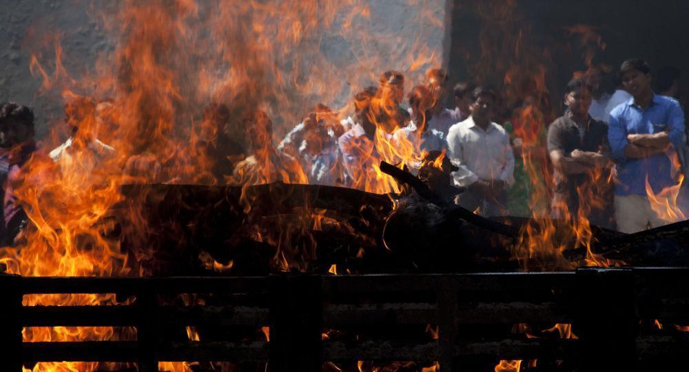 نجات معجزه آسای زن پیش از مراسم سوزاندن جسد