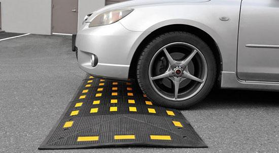 این 11 خطای رانندگی به خودروی شما آسیب می رساند