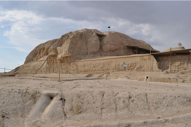 از محوطه باستانی سیلک در برابر ساخت و سازهای شهری محافظت می گردد