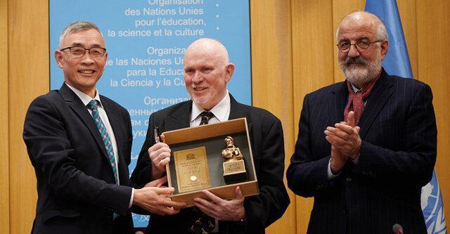 دانشمند آمریکایی برنده جایزه جهانی اخلاق در علم ابن سینا