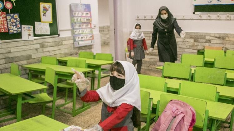 بازگشایی حضور مدارس؛ کلاس اولی ها و دومی ها از 15شهریور سر کلاس می فرایند