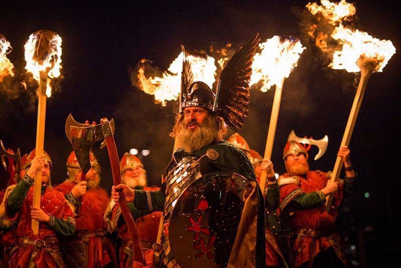 آپ هلی آ، جشنواره آتش وایکینگ ها در اسکاتلند